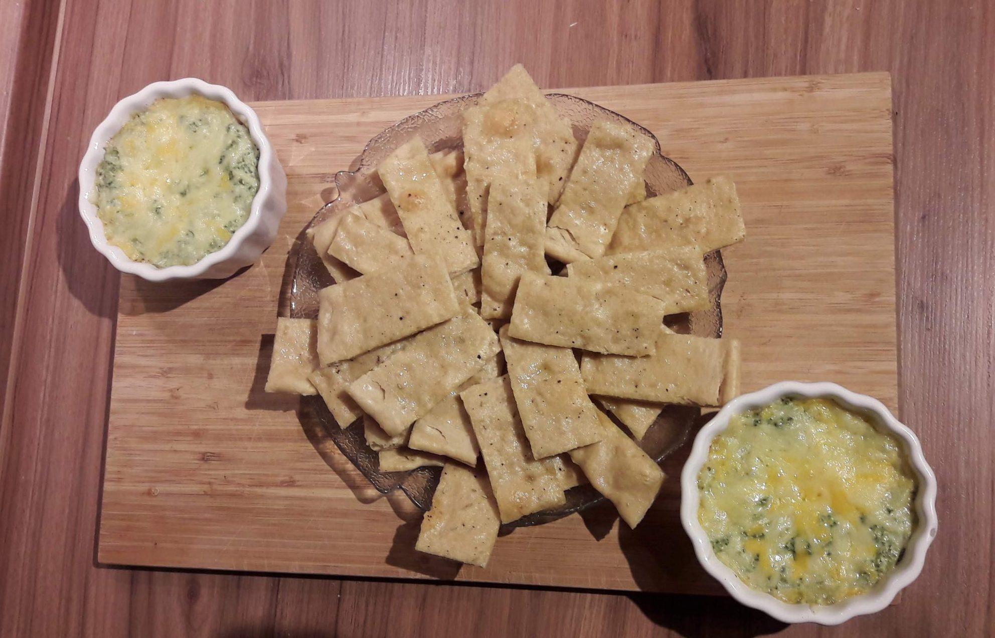 Spinat Käse Dip mit Knoblauchbrot